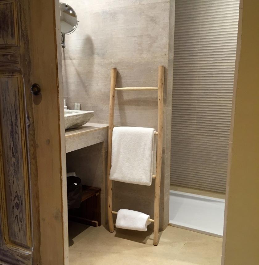 Mas Salagros Bath